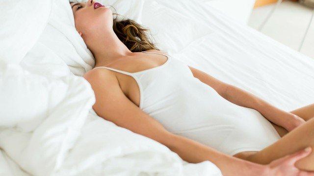 Do Girls Cum? (How To Make Her Cum)