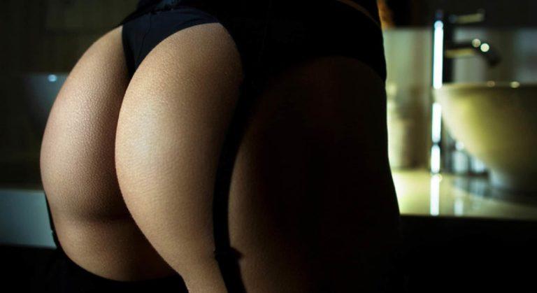 woman with bubble butt abd black lingerie