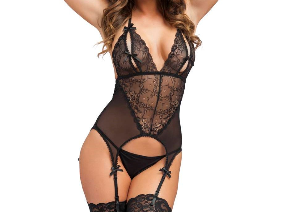 revealing black lingerie on curvy model